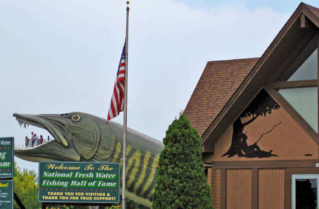20 oddball roadside attractions in the us fodors travel for Freshwater fishing hall of fame