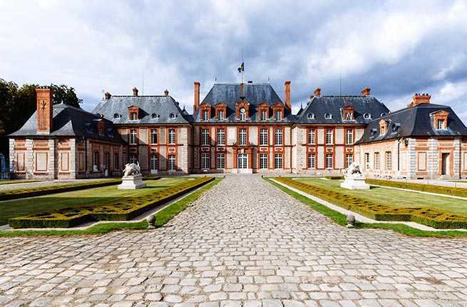 11 Must-See Châteaux Outside Paris – Fodors Travel Guide