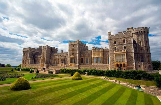 Worlds Most Spectacular Palaces Fodors Travel Guide - Best castles in europe