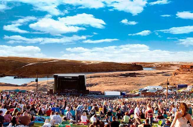 If You Re Looking For A Truly Memorable Concert Experience Be Sure To Pay Visit One Of The 10 Best Outdoor Music Venues In U S Annie Bruce