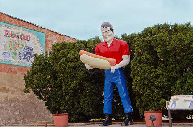 13 Weird And Wacky Attractions On Route 66 Fodors Travel