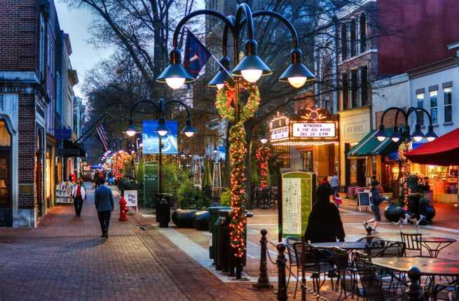 Best Christmas Towns.10 U S Towns With Incredible Christmas Celebrations