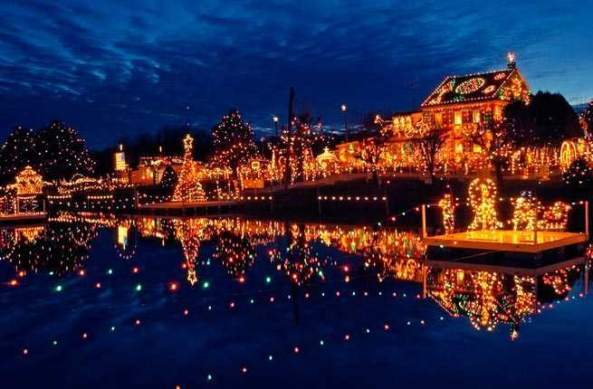 10 U.S. Towns with Incredible Christmas Celebrations – Fodors ...
