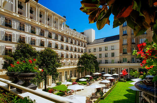 Suite hearts 10 romantic hotels perfect for valentine s for Romantic hotels for valentine s day