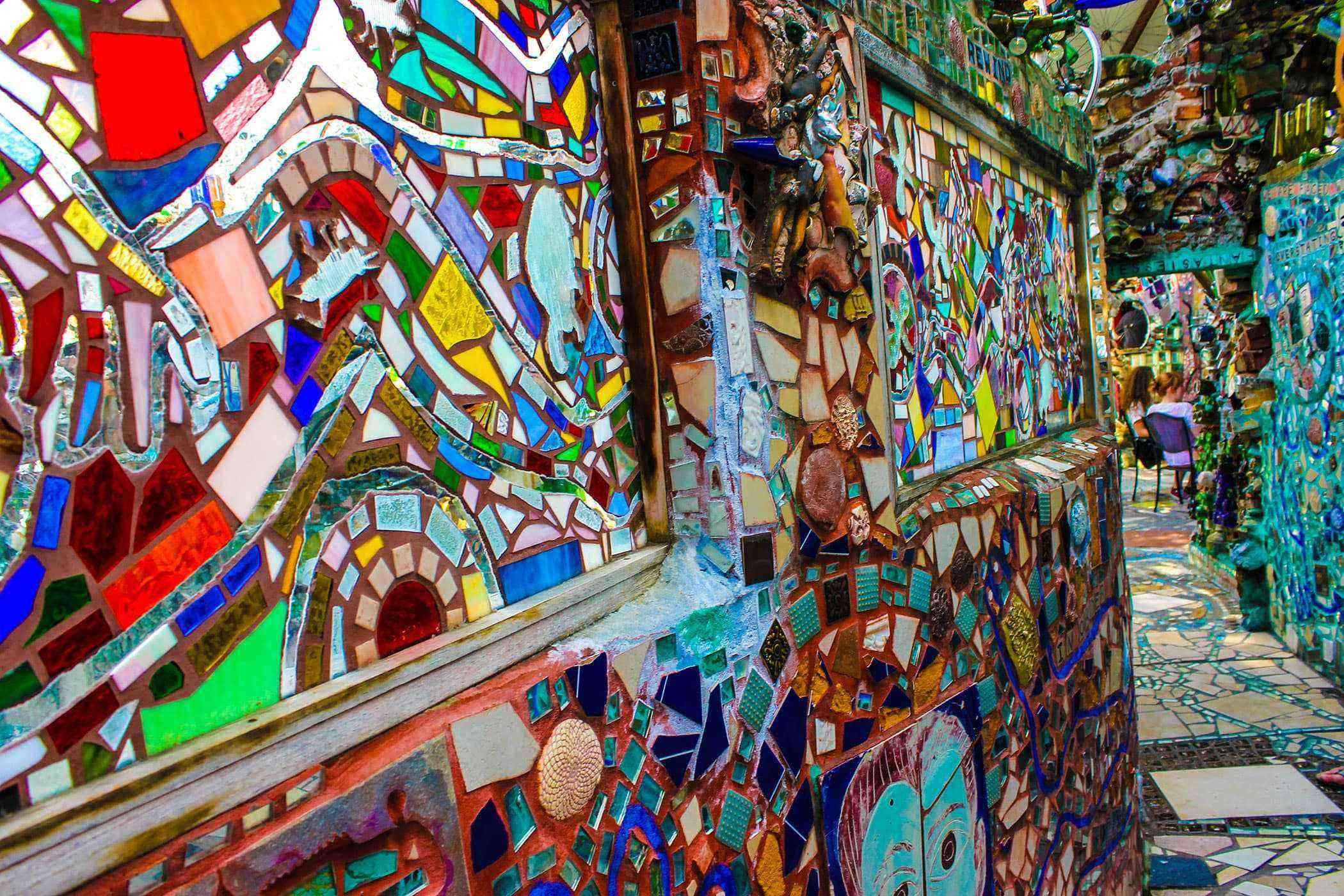 Garbage-Art-Philadelphia-Magic-Gardens-1