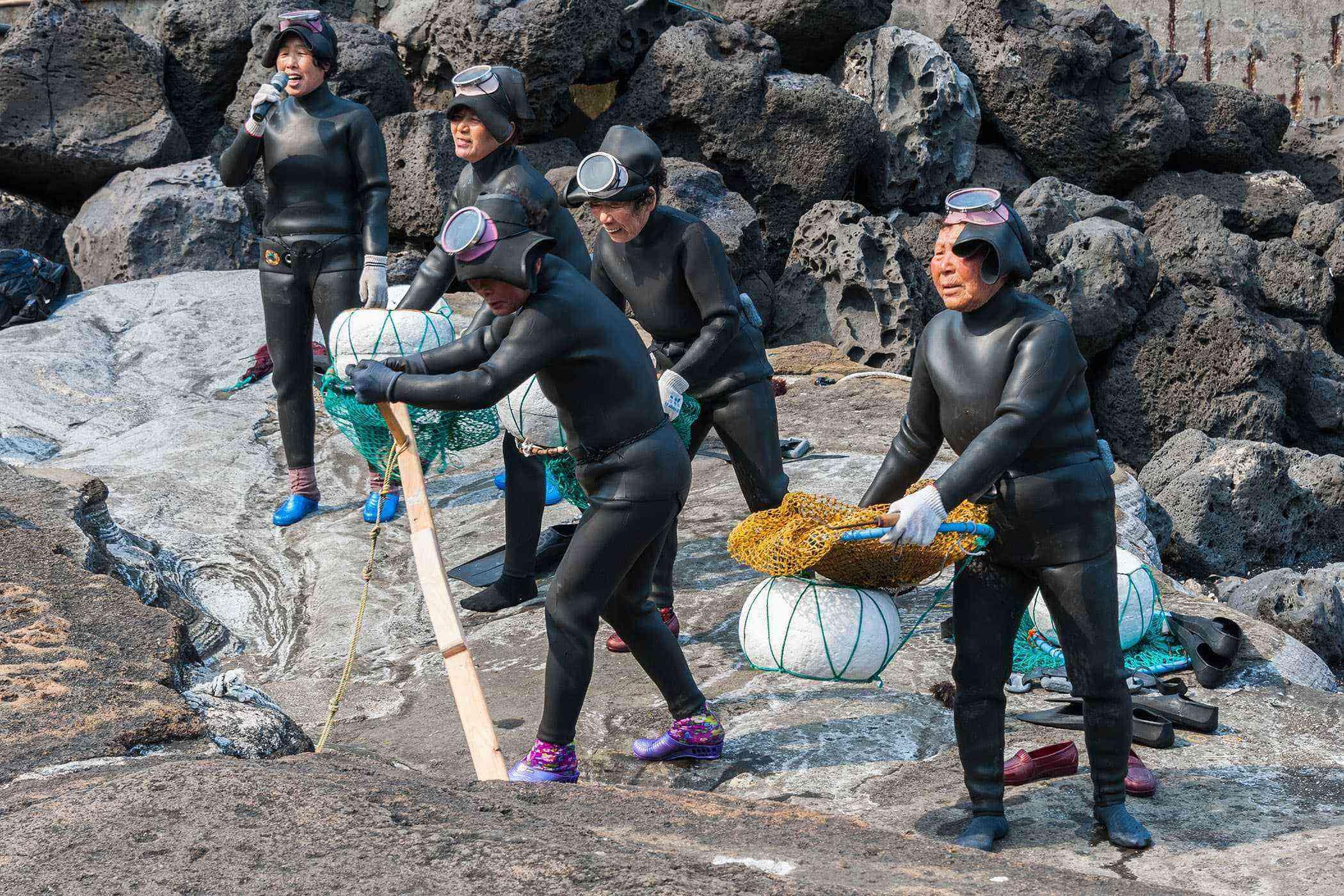 Jeju-Island-Women-divers