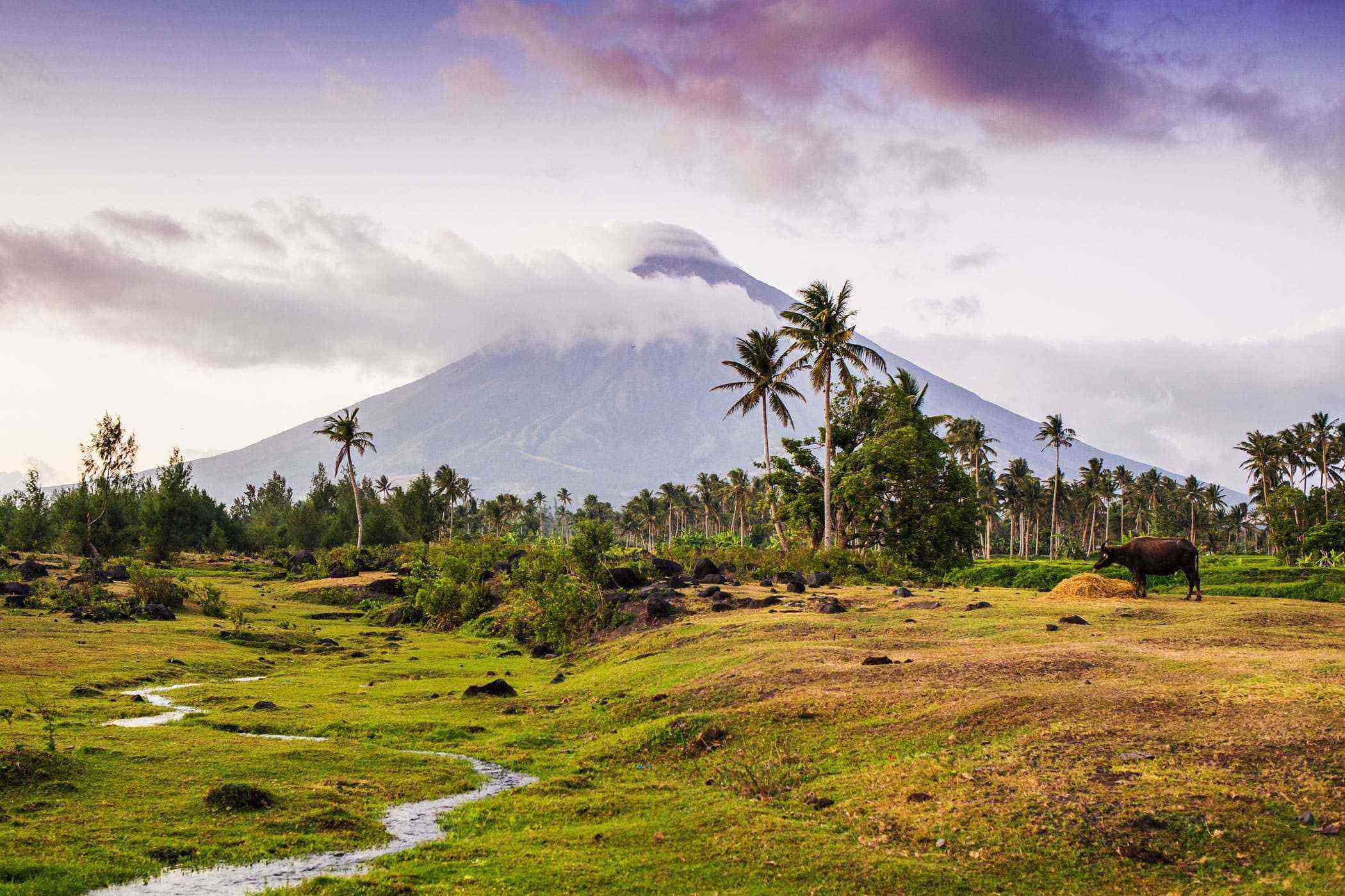Natural-Philippines-Mount-Mayon