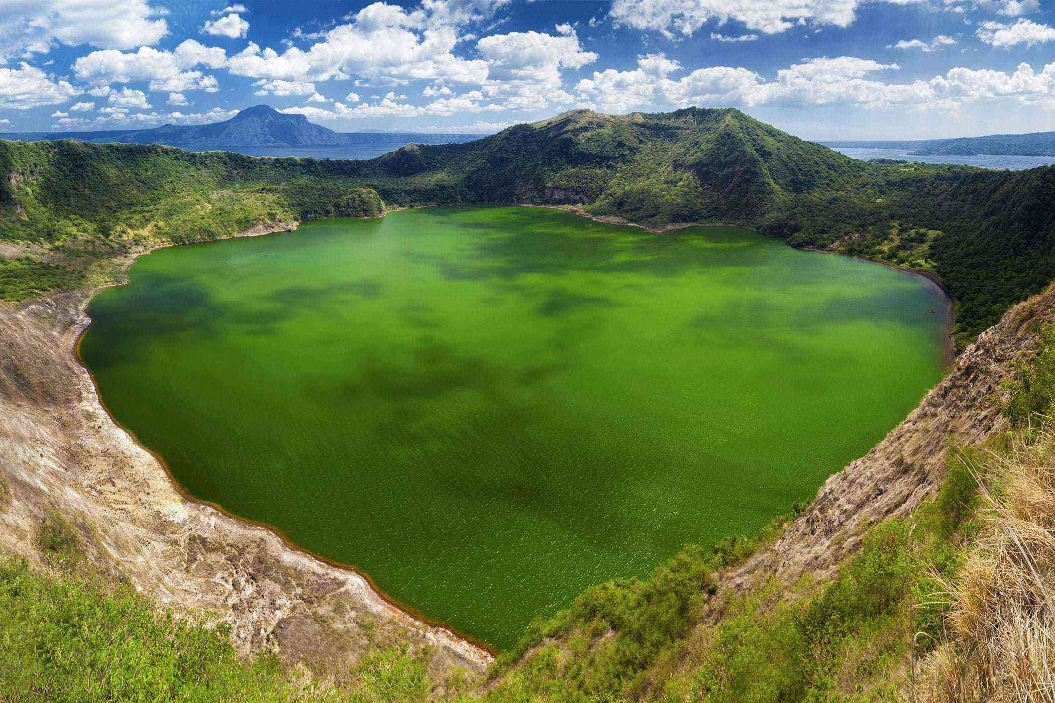 Natural-Philippines-Taal-Volcano