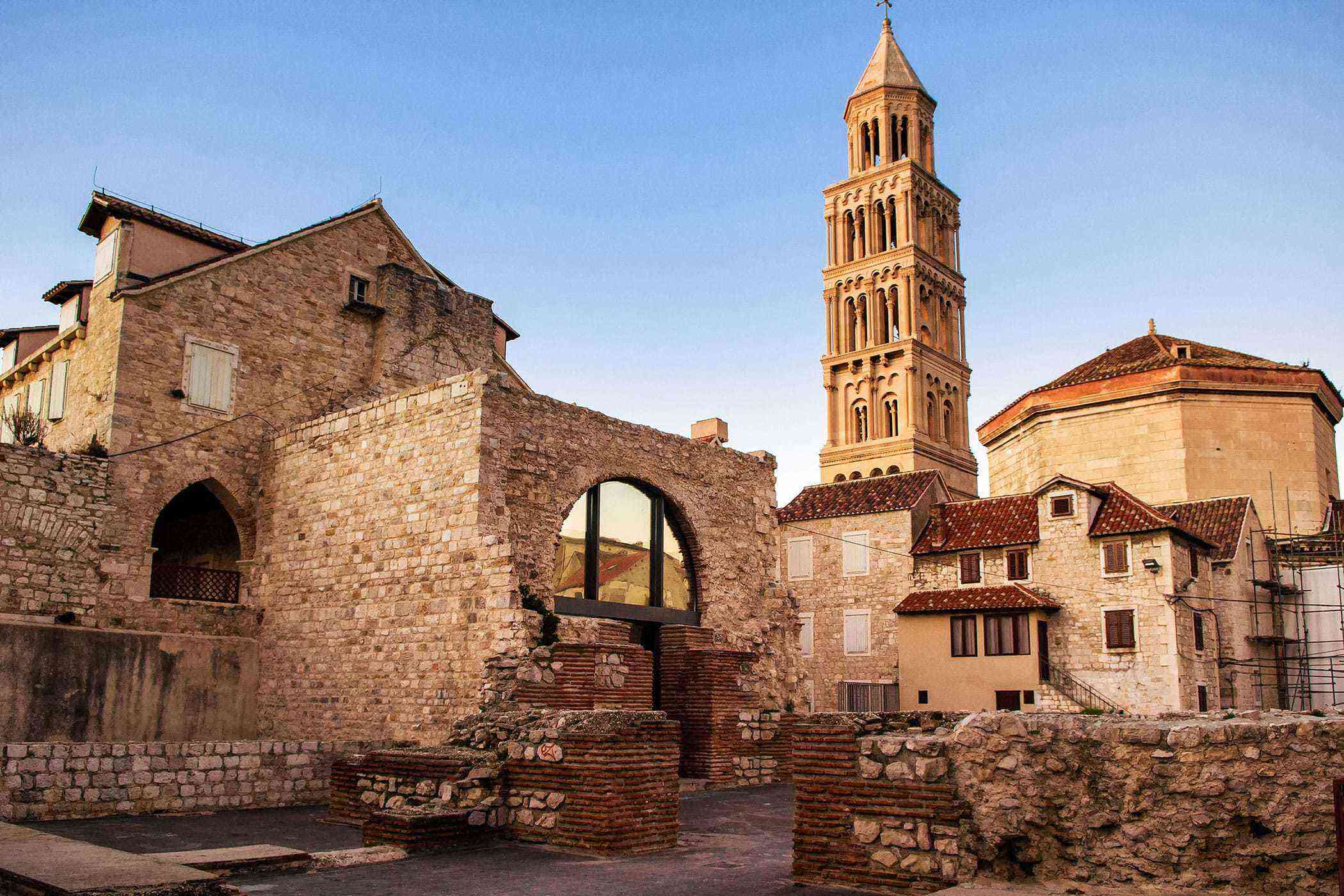 Roman-Ruins-Diocletians-Palace-2