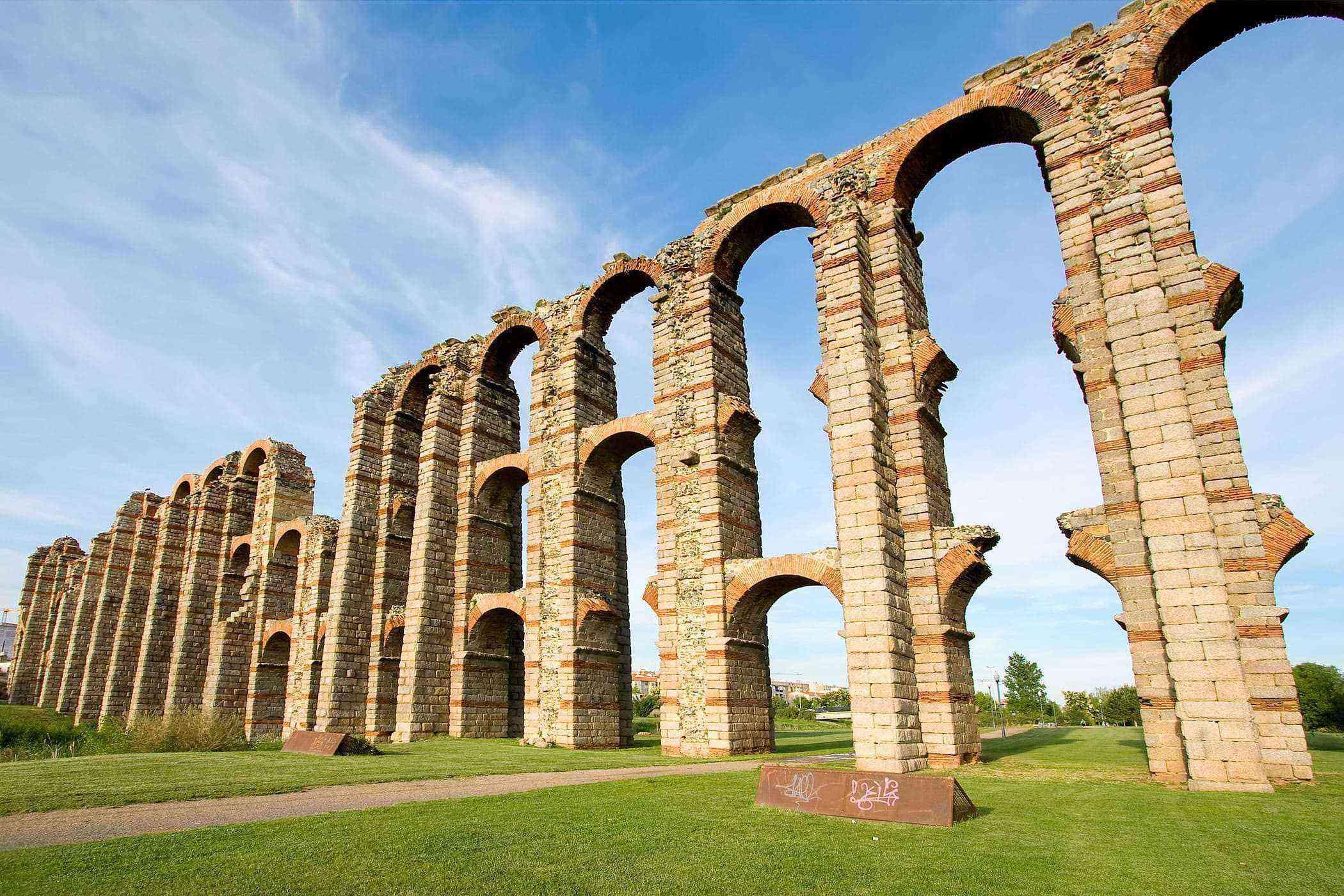 Roman-Ruins-Emerita-Augusta-1