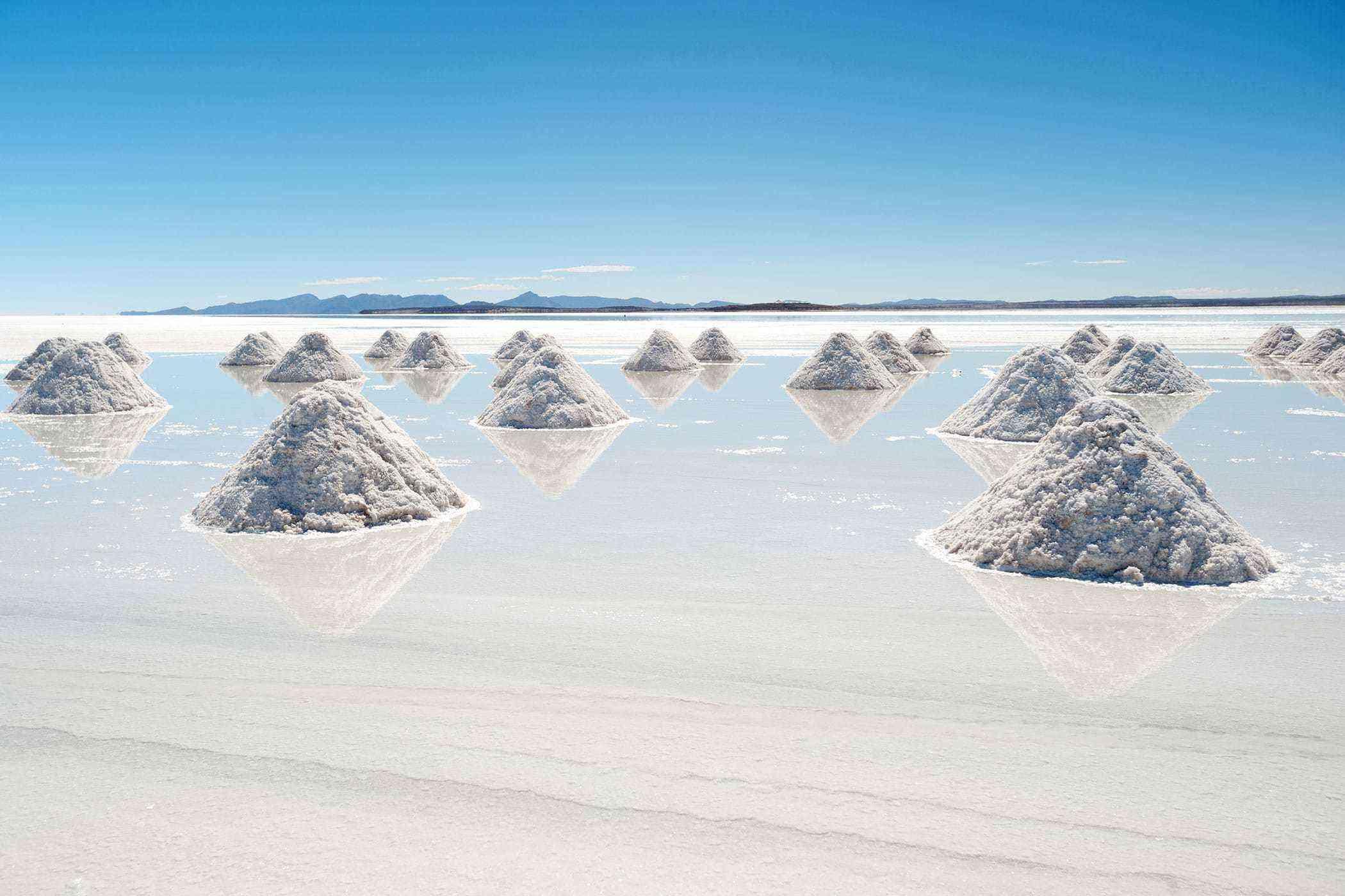 Surreal-Landscapes-Salar-de-Uyuni-2-1