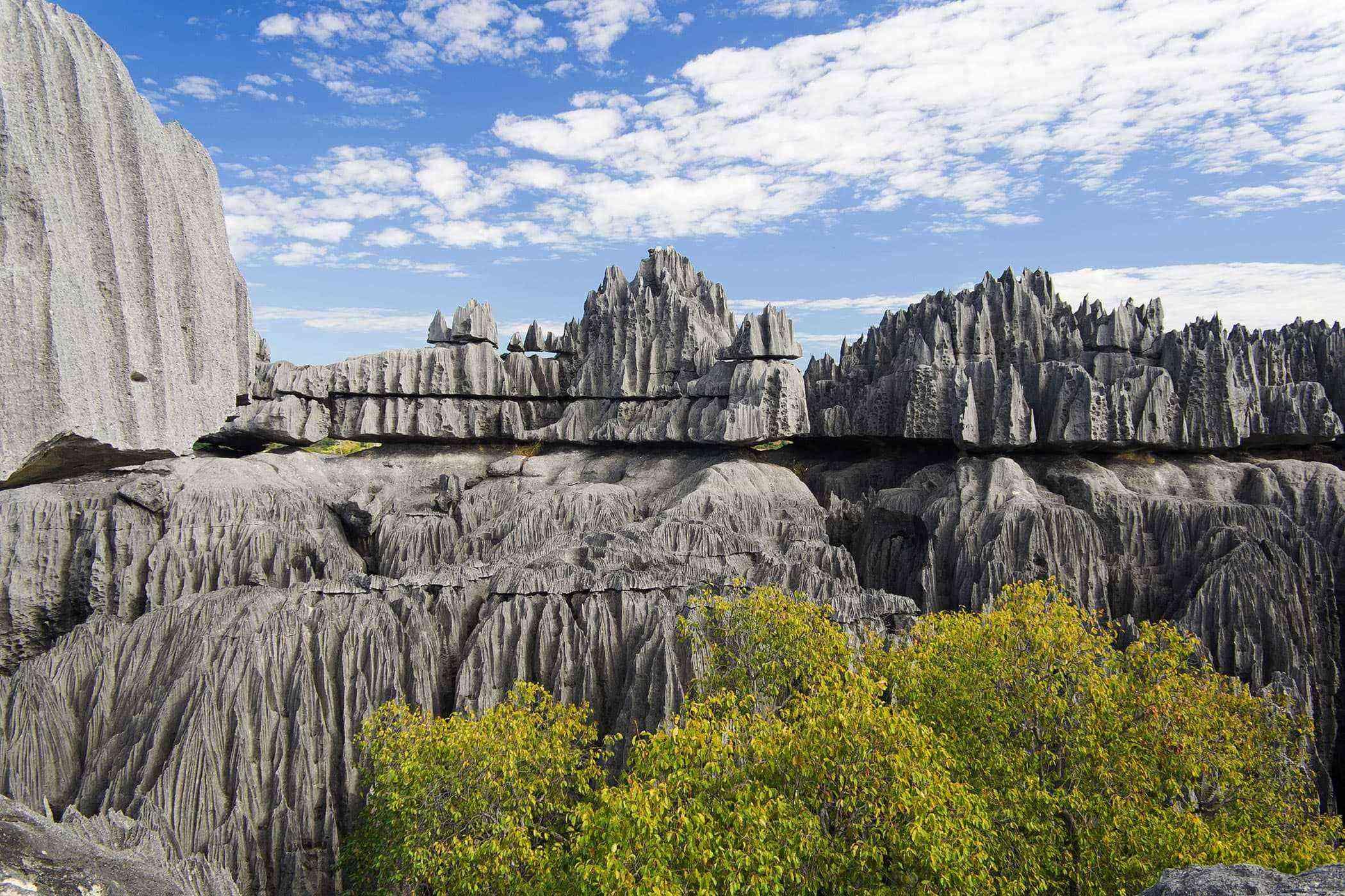 Surreal-Landscapes-Tsingy-de-Bemaraha-1-1