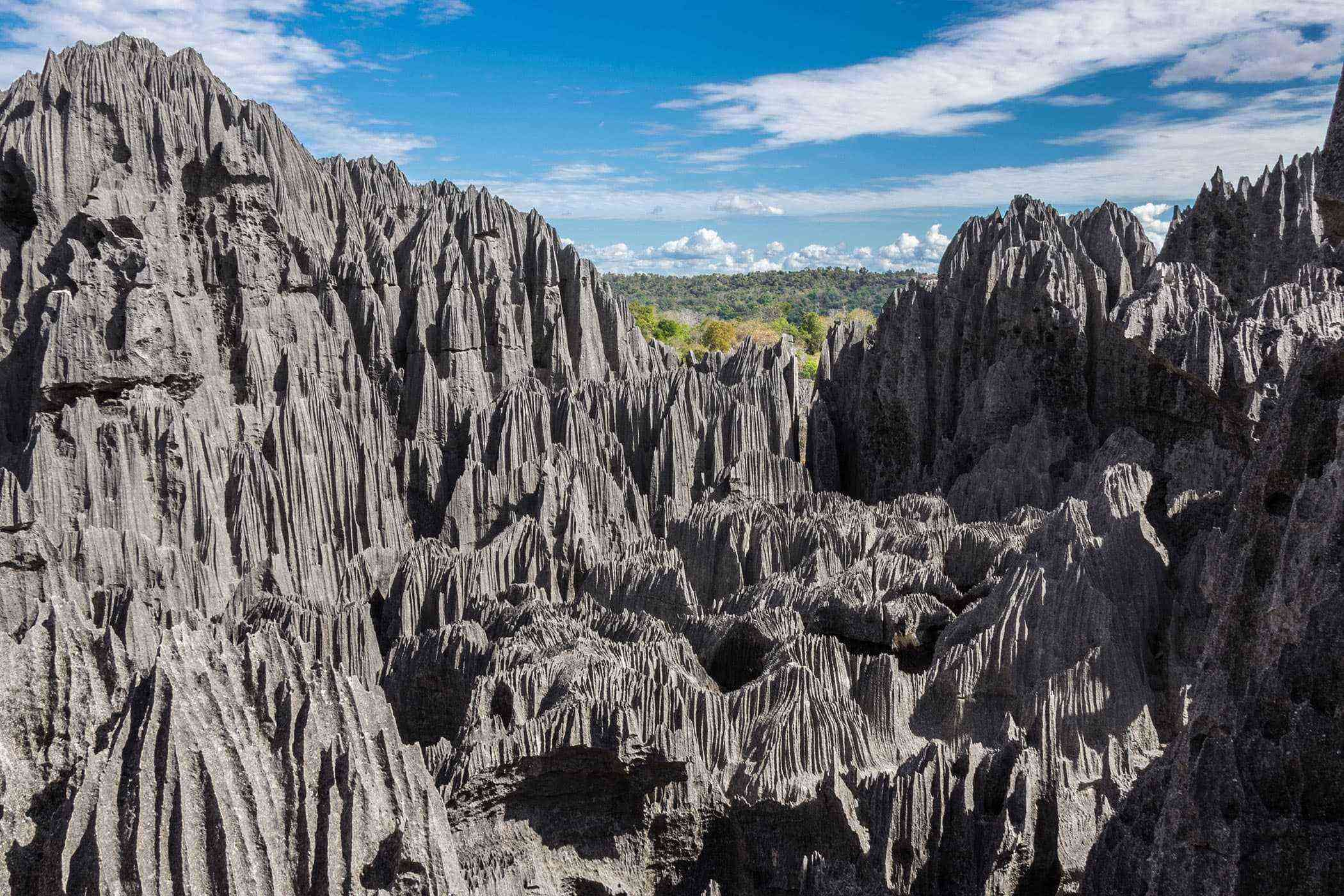 Surreal-Landscapes-Tsingy-de-Bemaraha-3-1