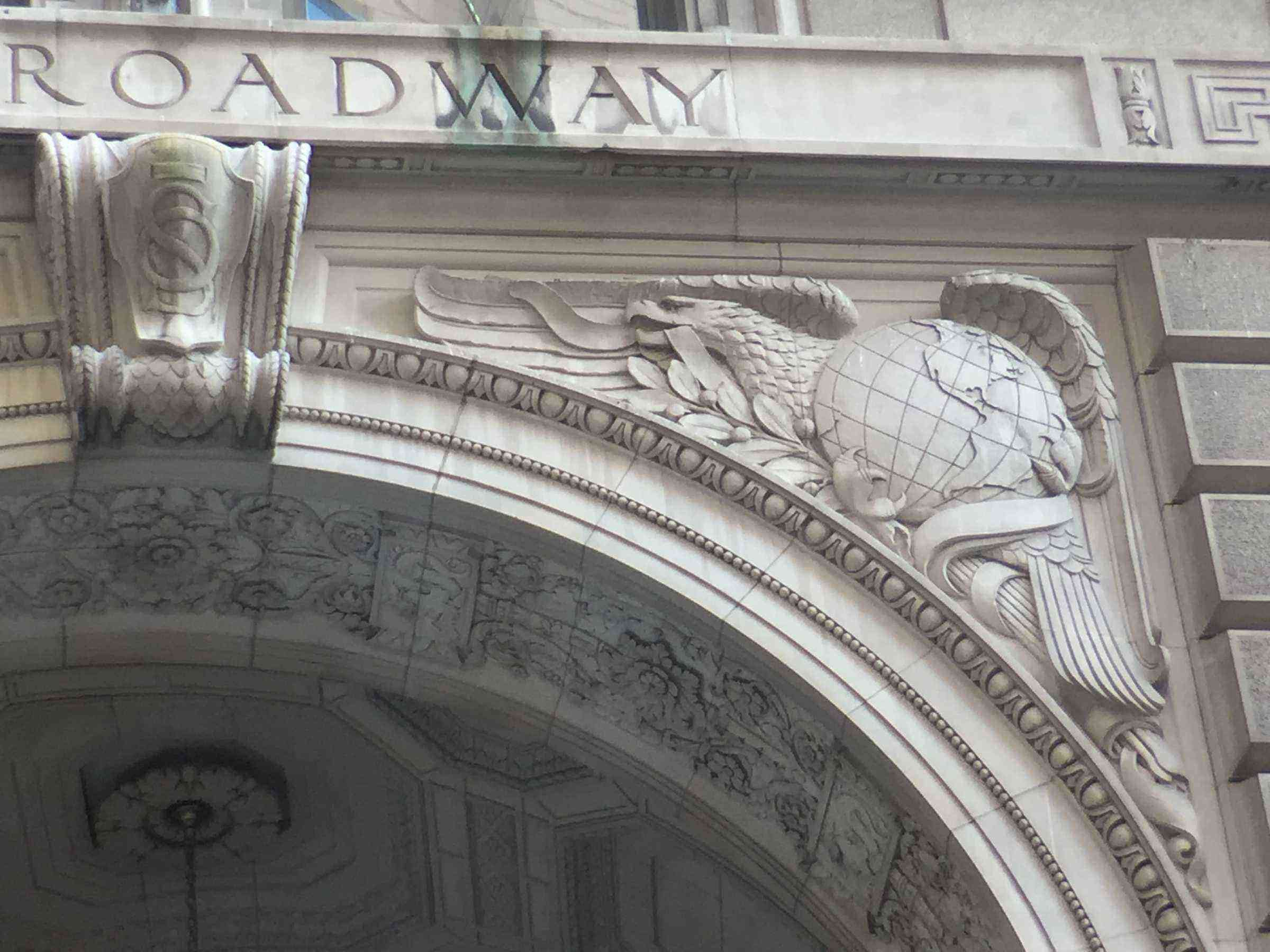 5) 26 Broadway, Eagle Clutches the Americas