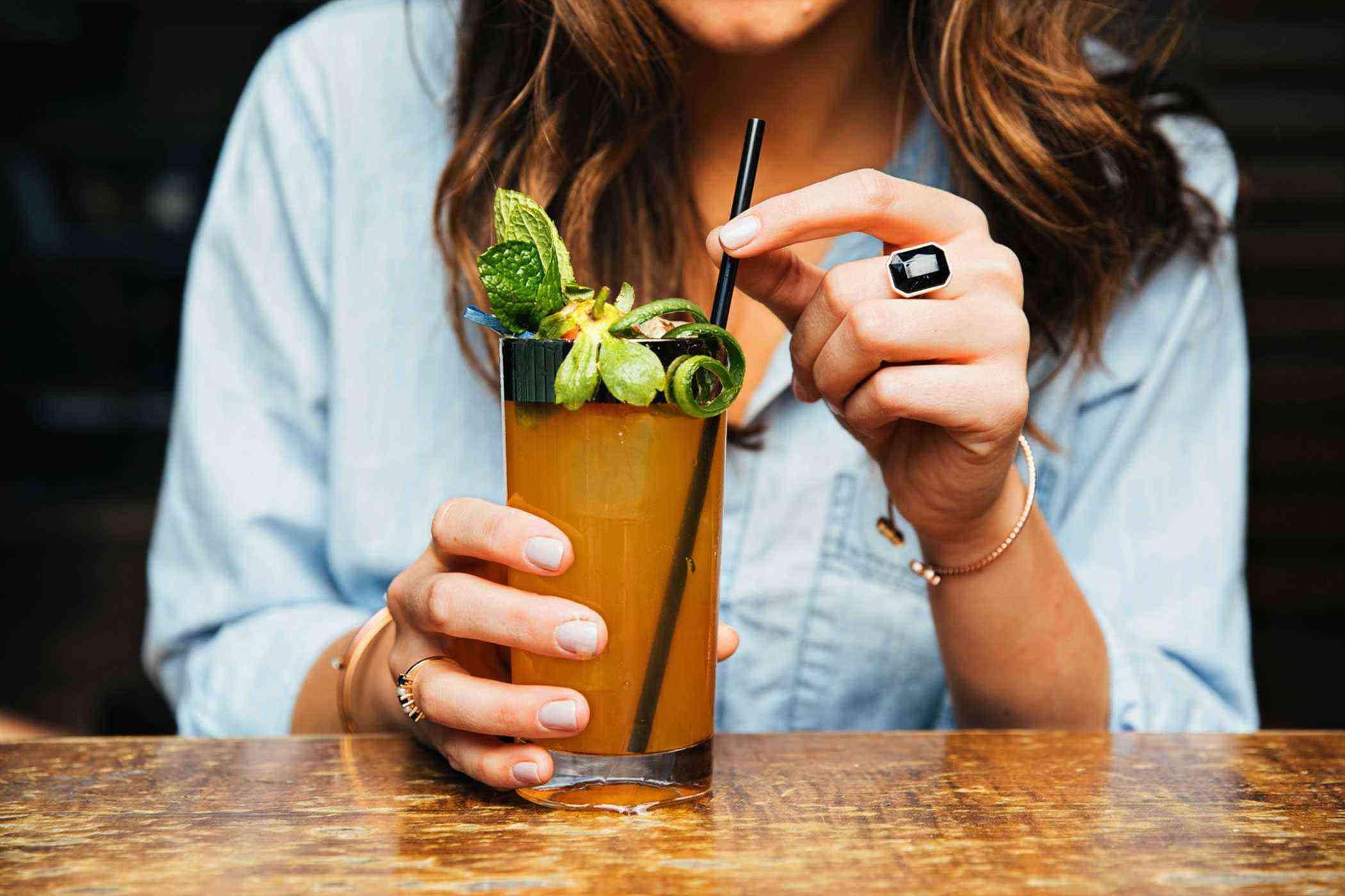 Charleston-Cocktail-Bars-Cocktail-Club