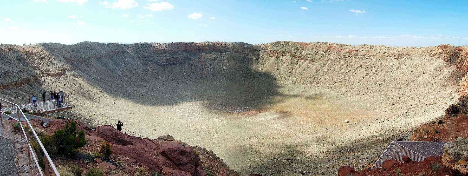 Deep-Holes-Meteor-Crater-2