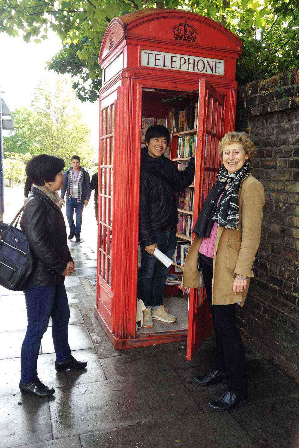 11 Weird Ways Britain S Iconic Telephone Boxes Have Been