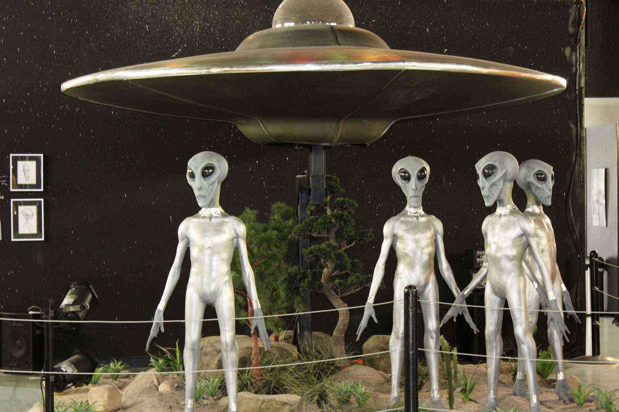 Quirky-Southwest-Museums-The-International-UFO-Museum-Research-Center