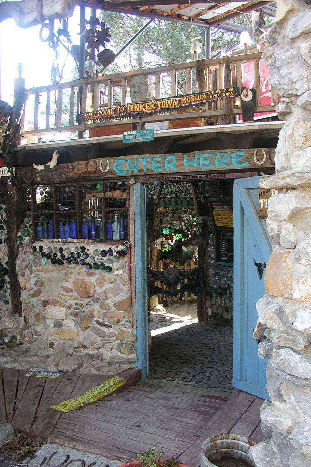 Quirky-Southwest-Museums-Tinkertown-Museum-2