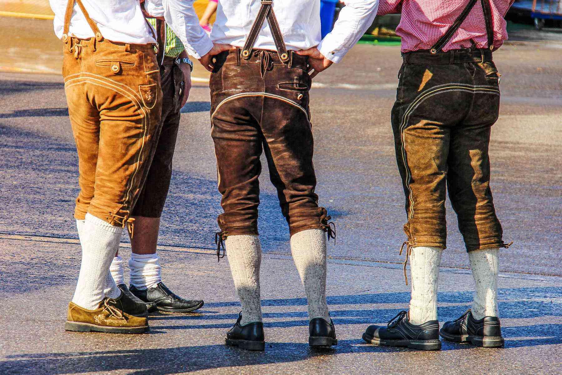 Surviving-Oktoberfest-Costumes-51