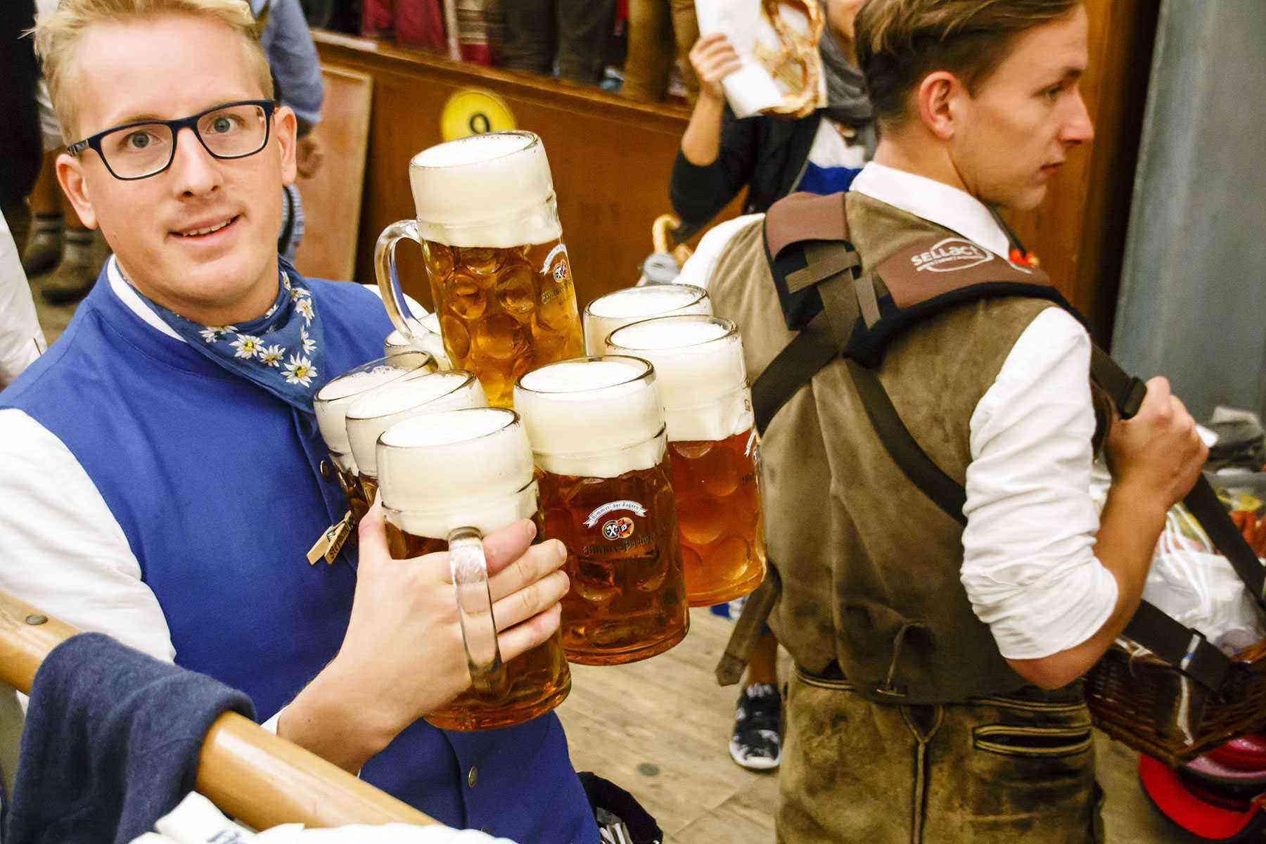 Surviving-Oktoberfest-Drinking-21