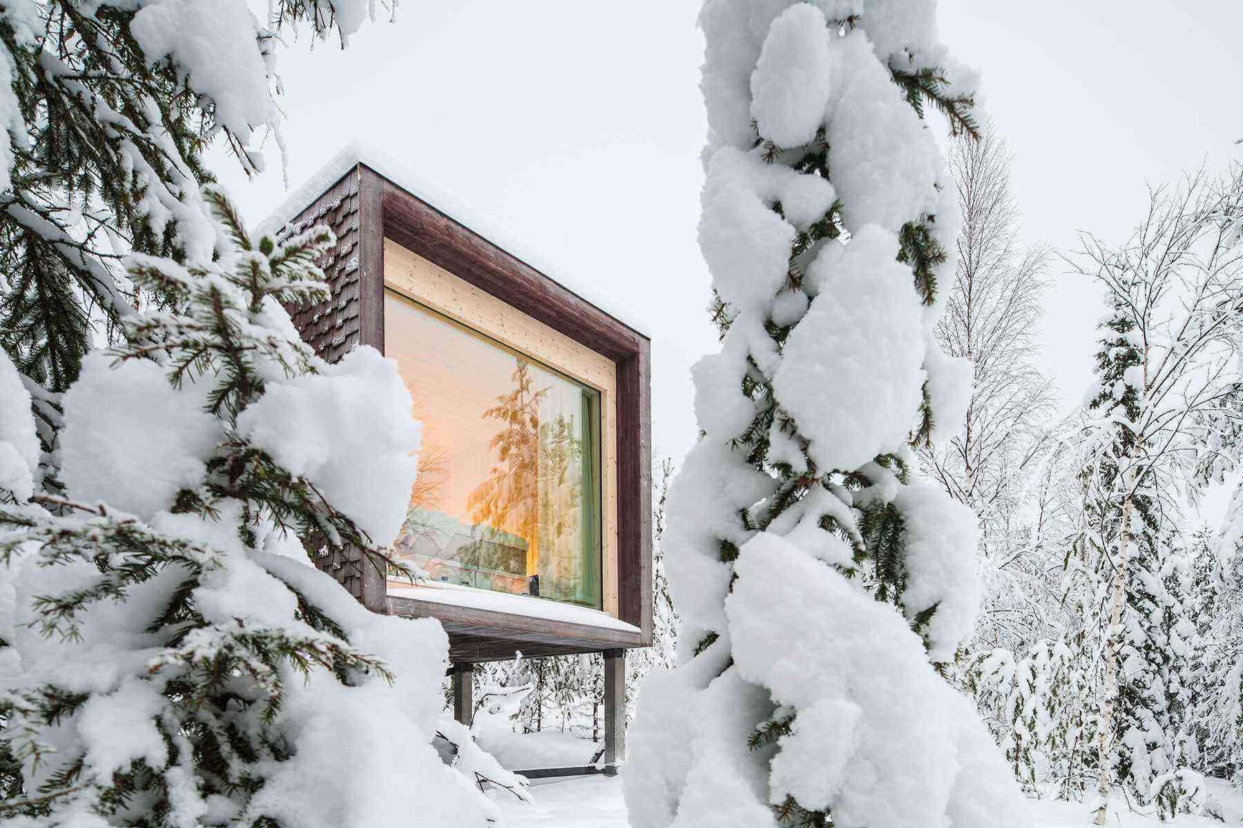 Unusual-Treehouses-Arctic-Treehouse-Hotel-1