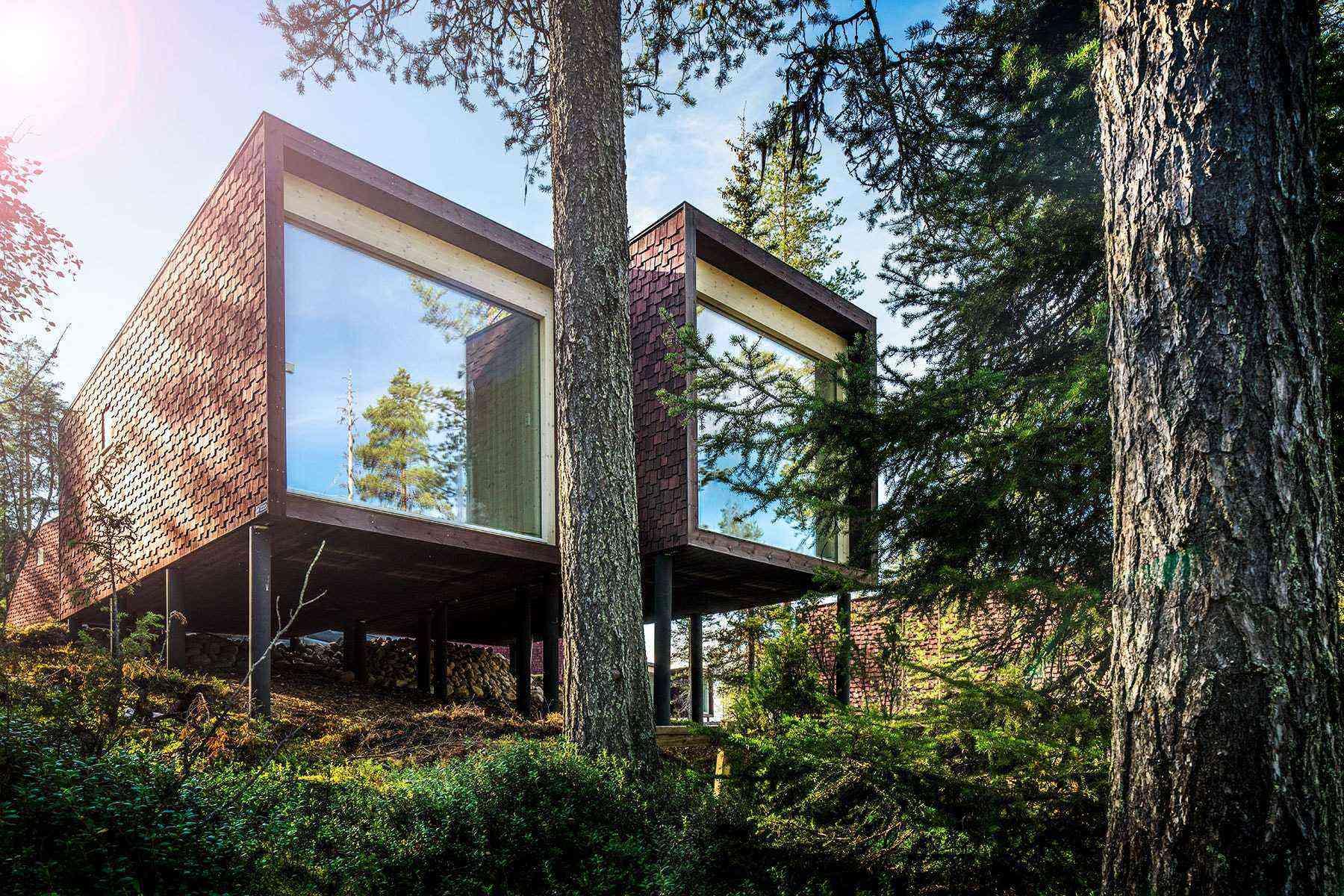 Unusual-Treehouses-Arctic-Treehouse-Hotel-3