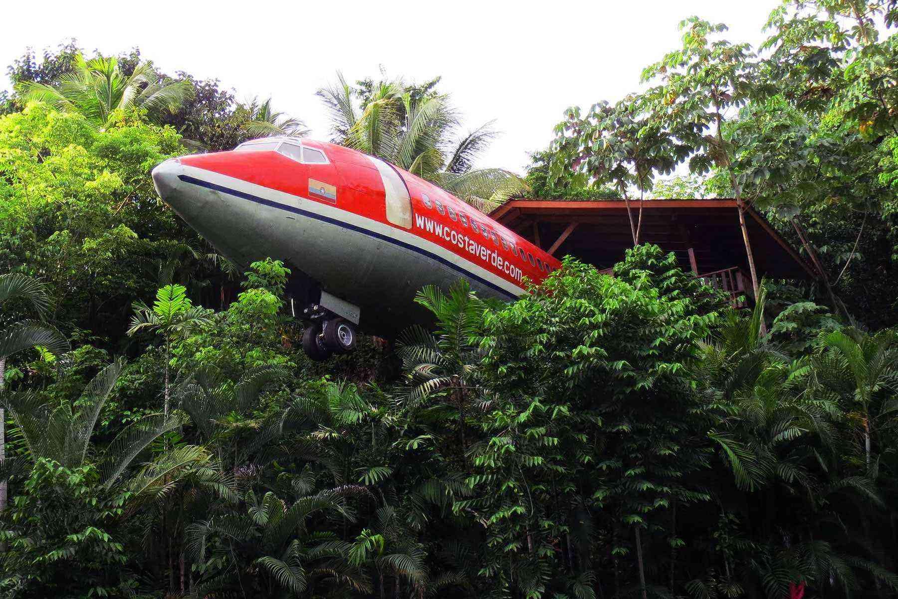 Unusual-Treehouses-Costa-Verde-727-Fuselage