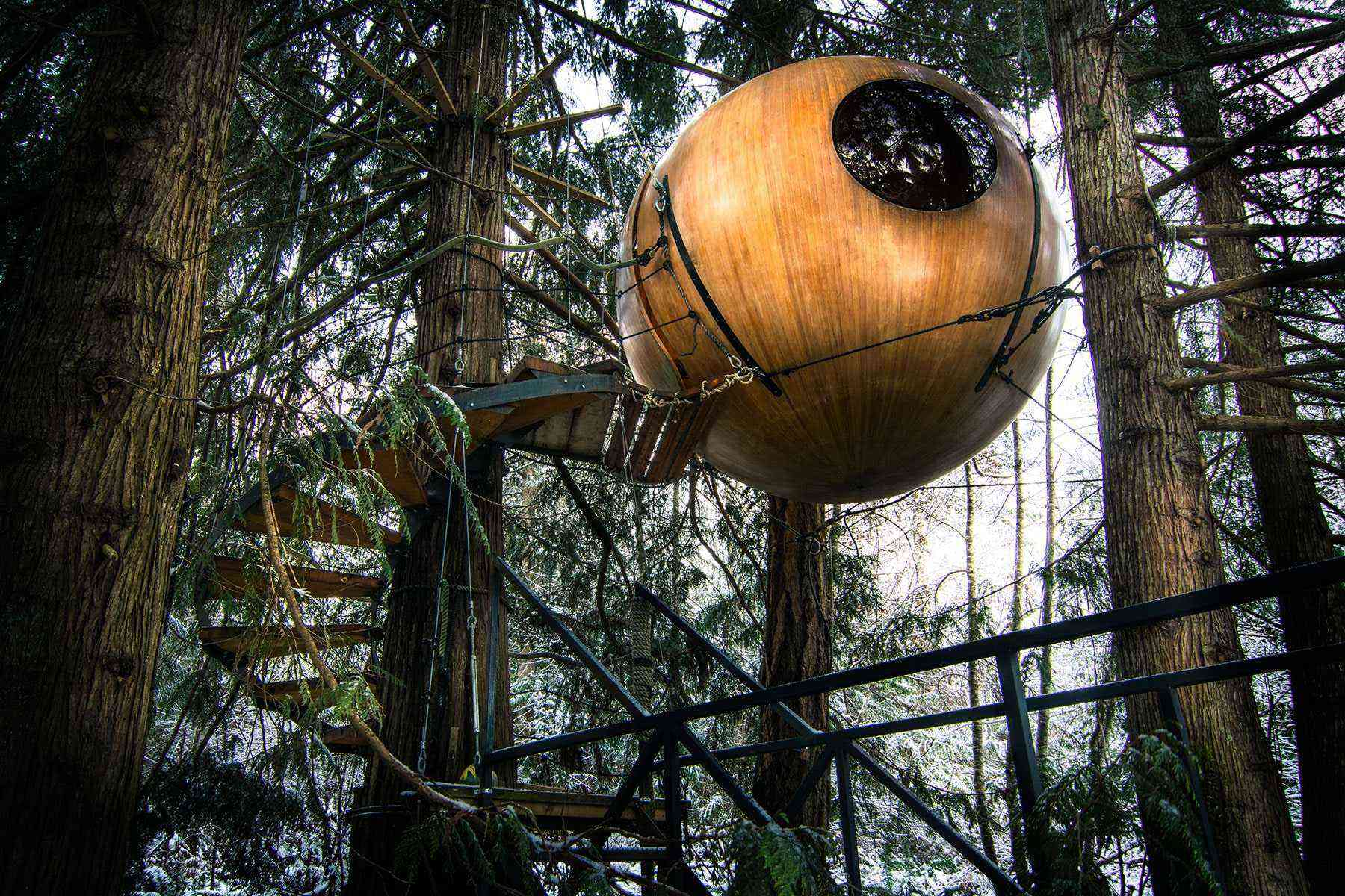Unusual-Treehouses-Free-Spirit-Spheres-1