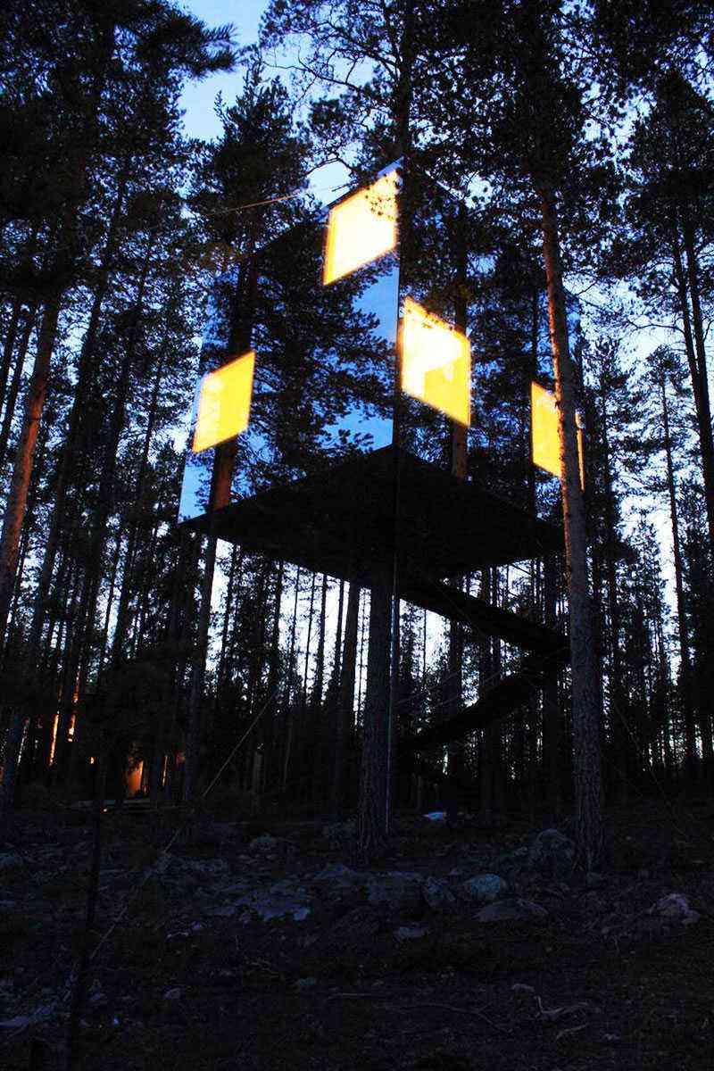 Unusual-Treehouses-Mirrorcube-4