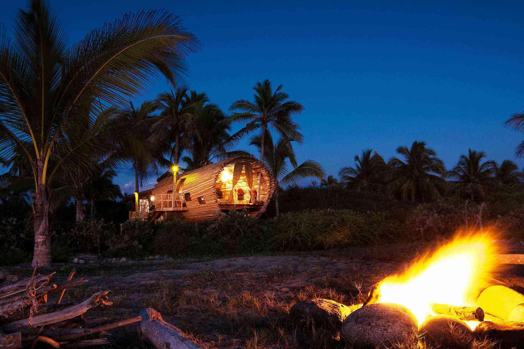 Unusual-Treehouses-Playa-Vida-2