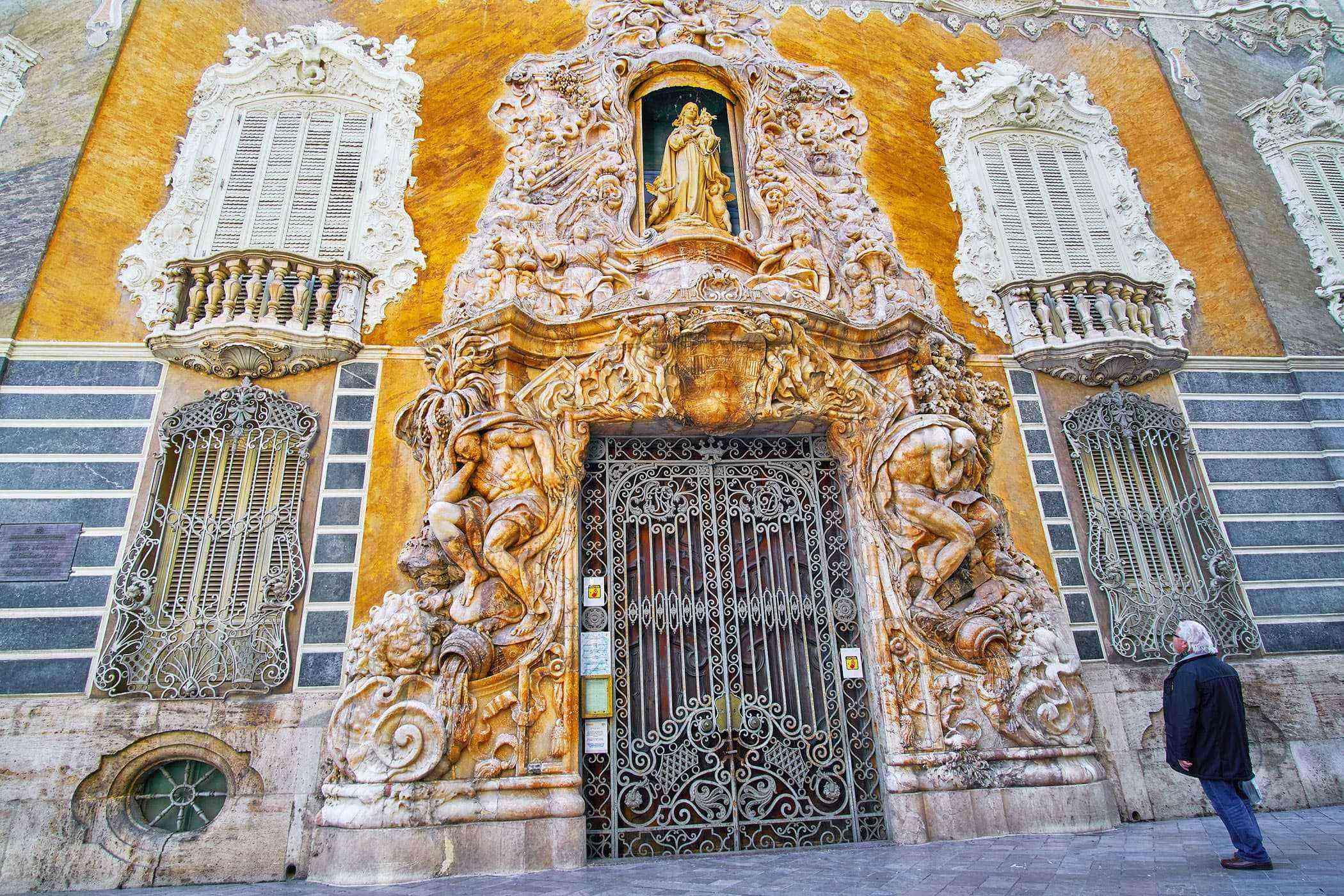 Valencia-Buildings-Ceramics-Museum-2