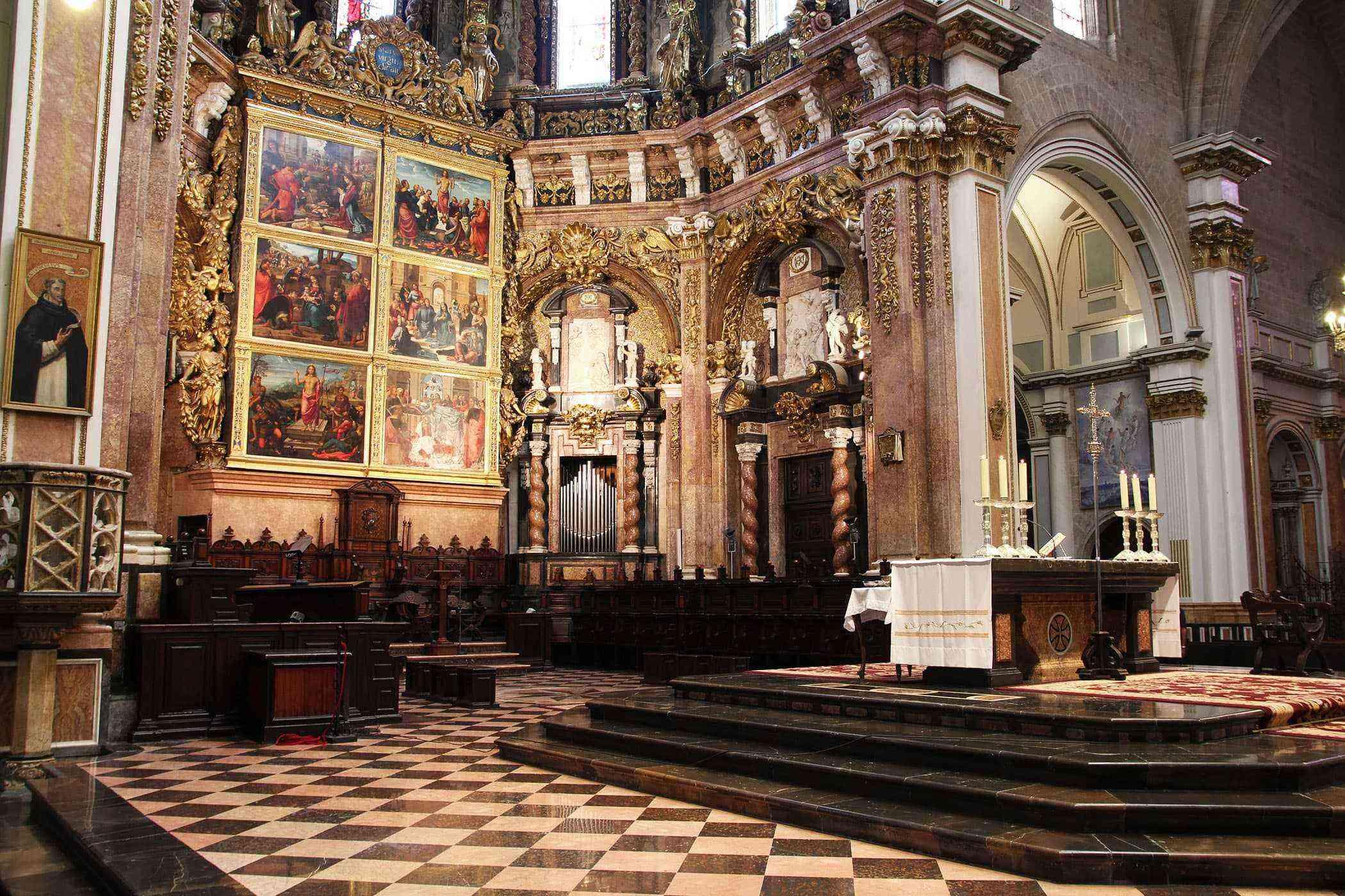 Valencia-Buildings-Valencia-Cathedral-1