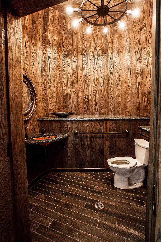 Amazing-Bathrooms-Charleston-Distilling-Co-2