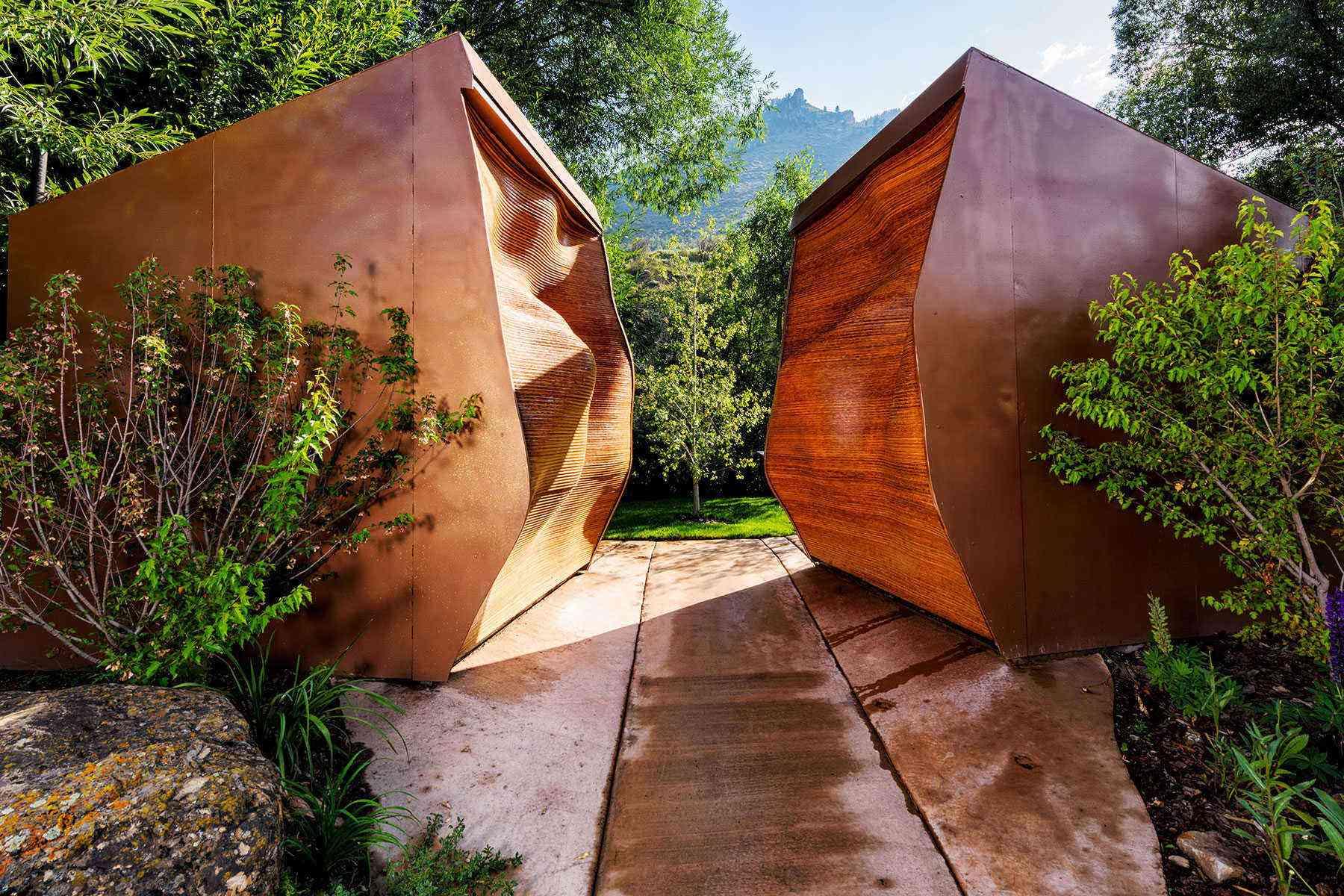 Amazing-Bathrooms-Mineshaft-restrooms-Minturn-Co-1