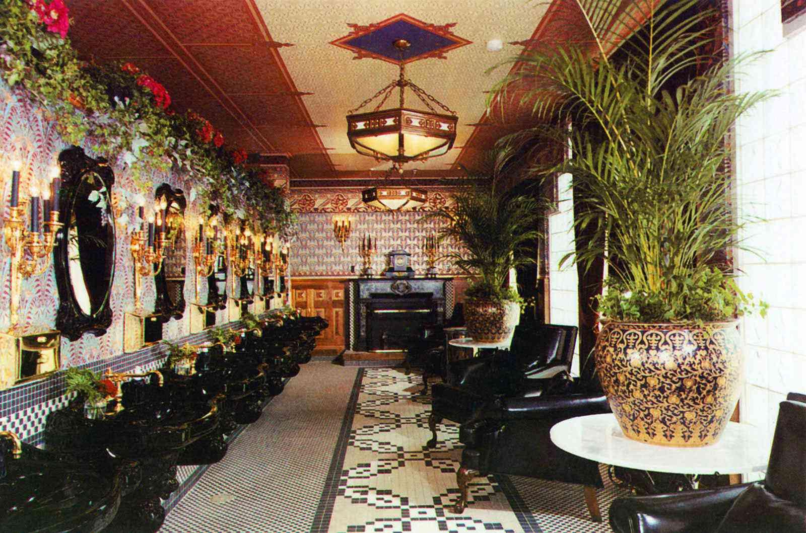 Amazing-Bathrooms-Shoji-Tabuchi-Theater-2