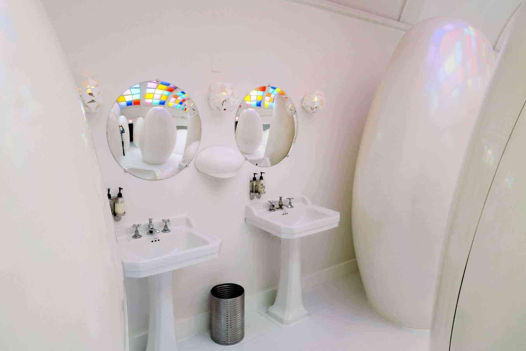 Amazing-Bathrooms-Sketch-2
