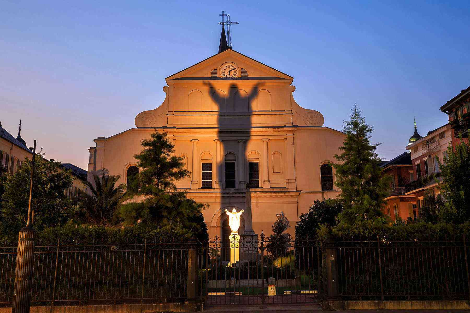 Cool-City-Tours-New-Orleans-Ghost-and-Vampire-tour-1
