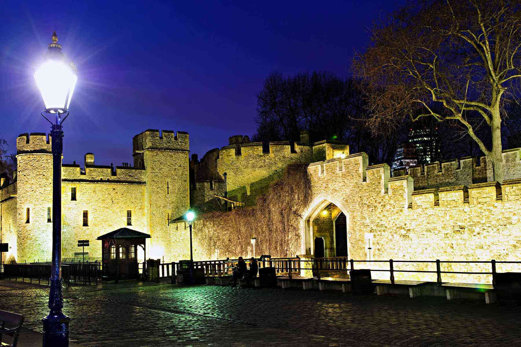 Cool-City-Tours-Twilight-Tower-of-London