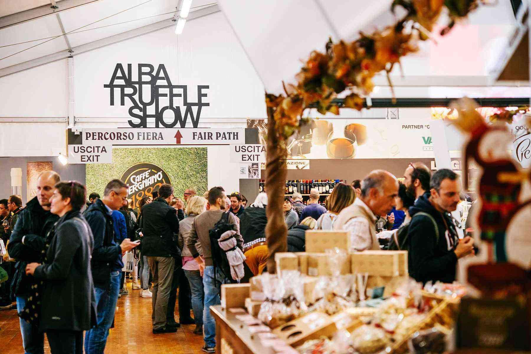 Fall-Food-Festivals-Alba-White-Truffle-Fair-1