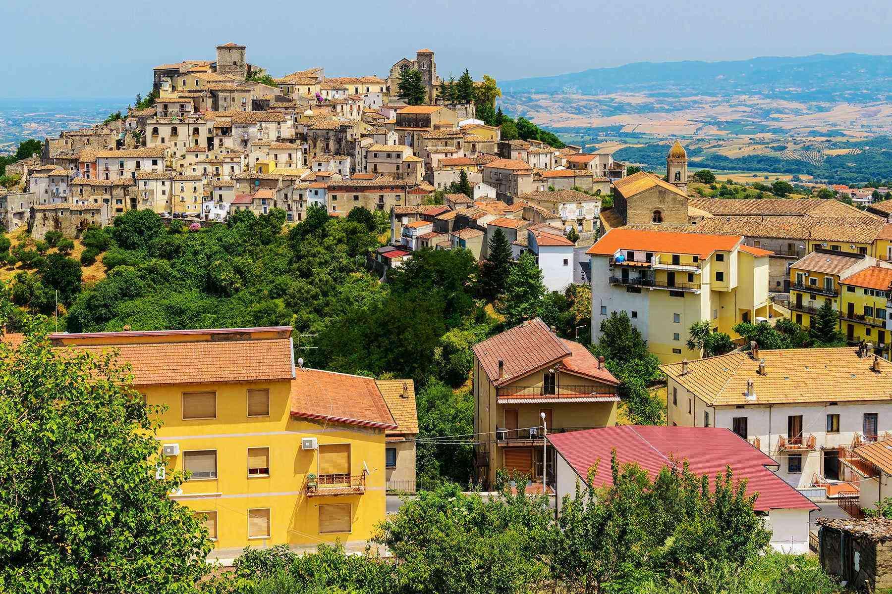 Medieval-Italian-Towns-Altomonte-1