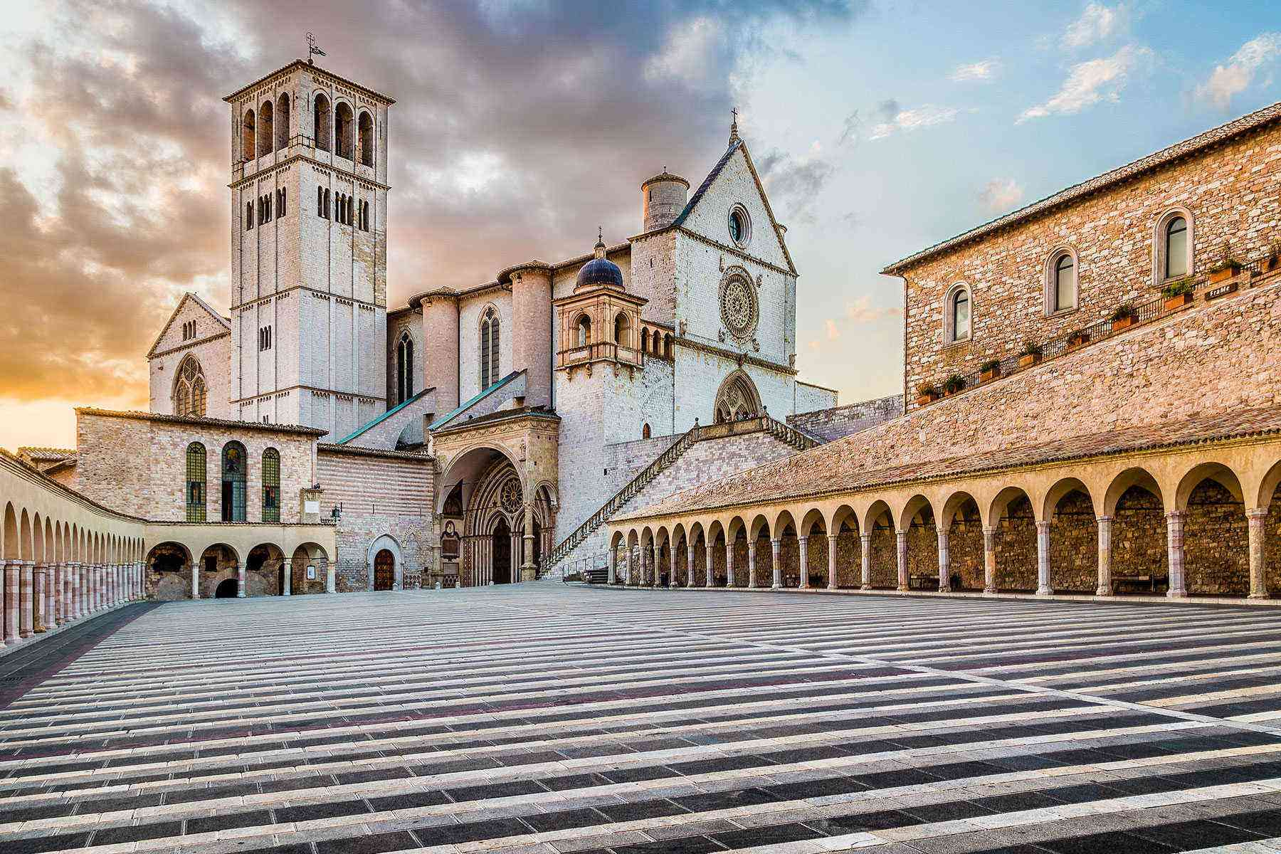 Medieval-Italian-Towns-Assisi-1