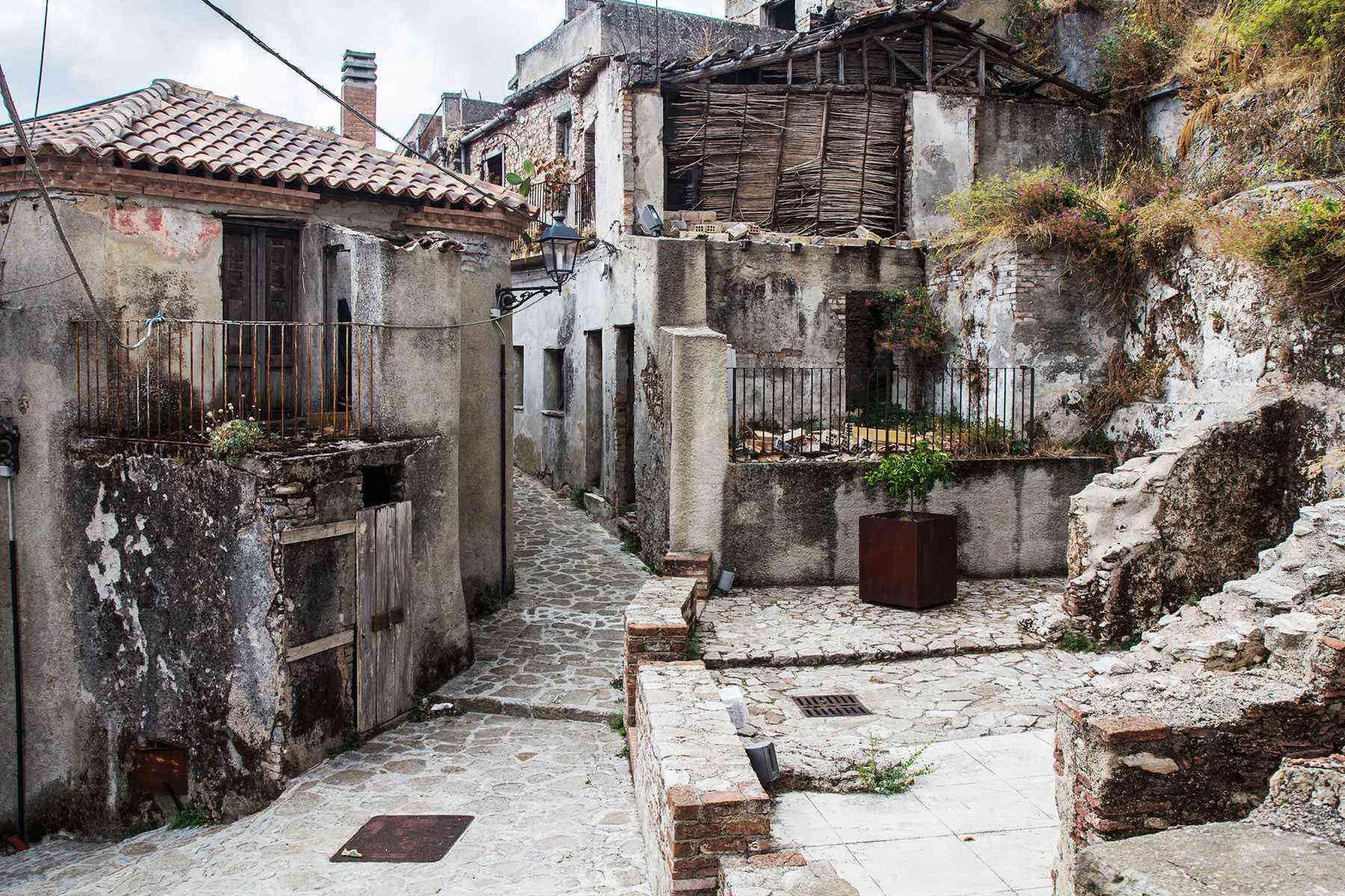 Medieval-Italian-Towns-Bova-2