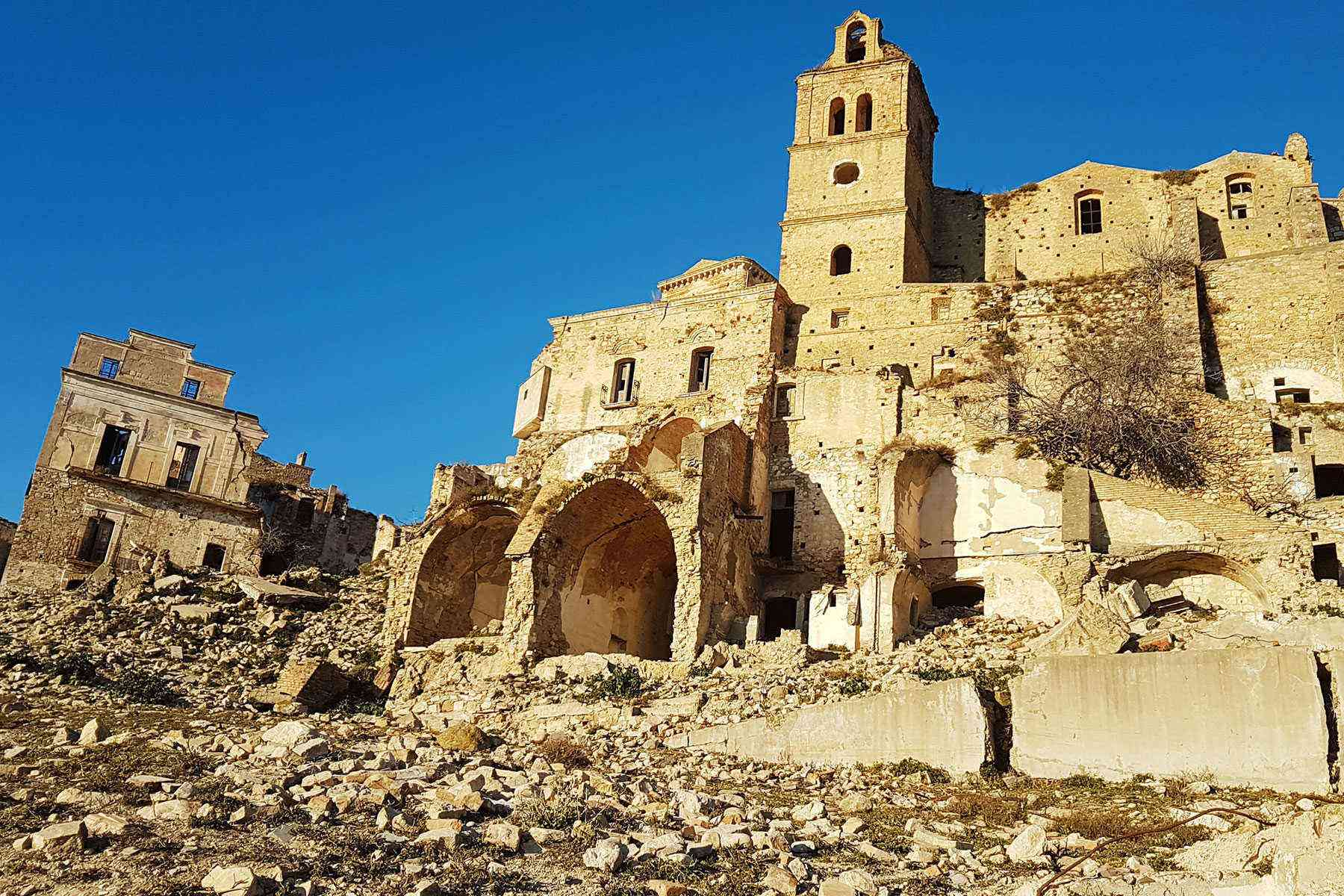 Medieval-Italian-Towns-Craco