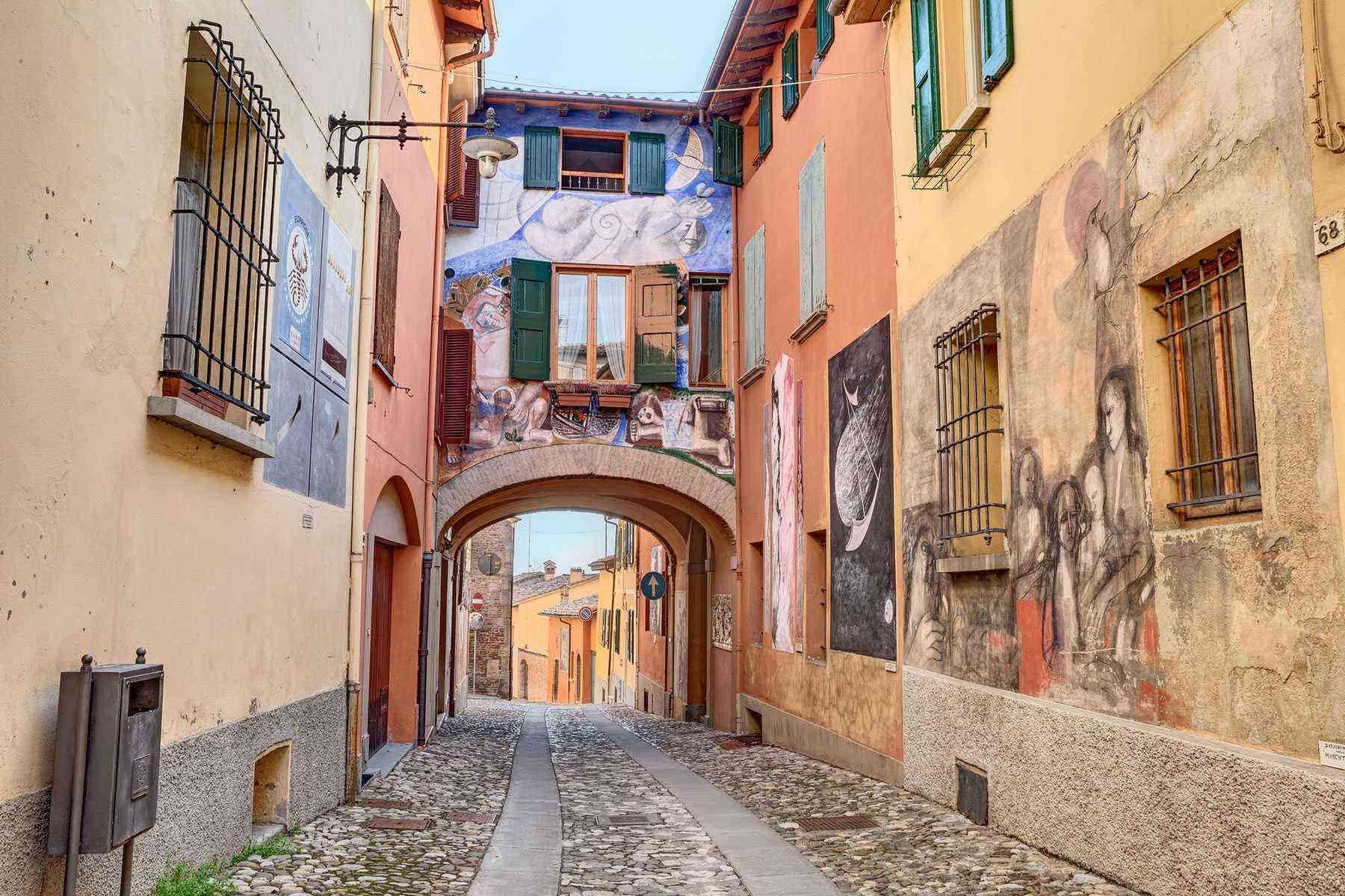 Medieval-Italian-Towns-Dozza-1