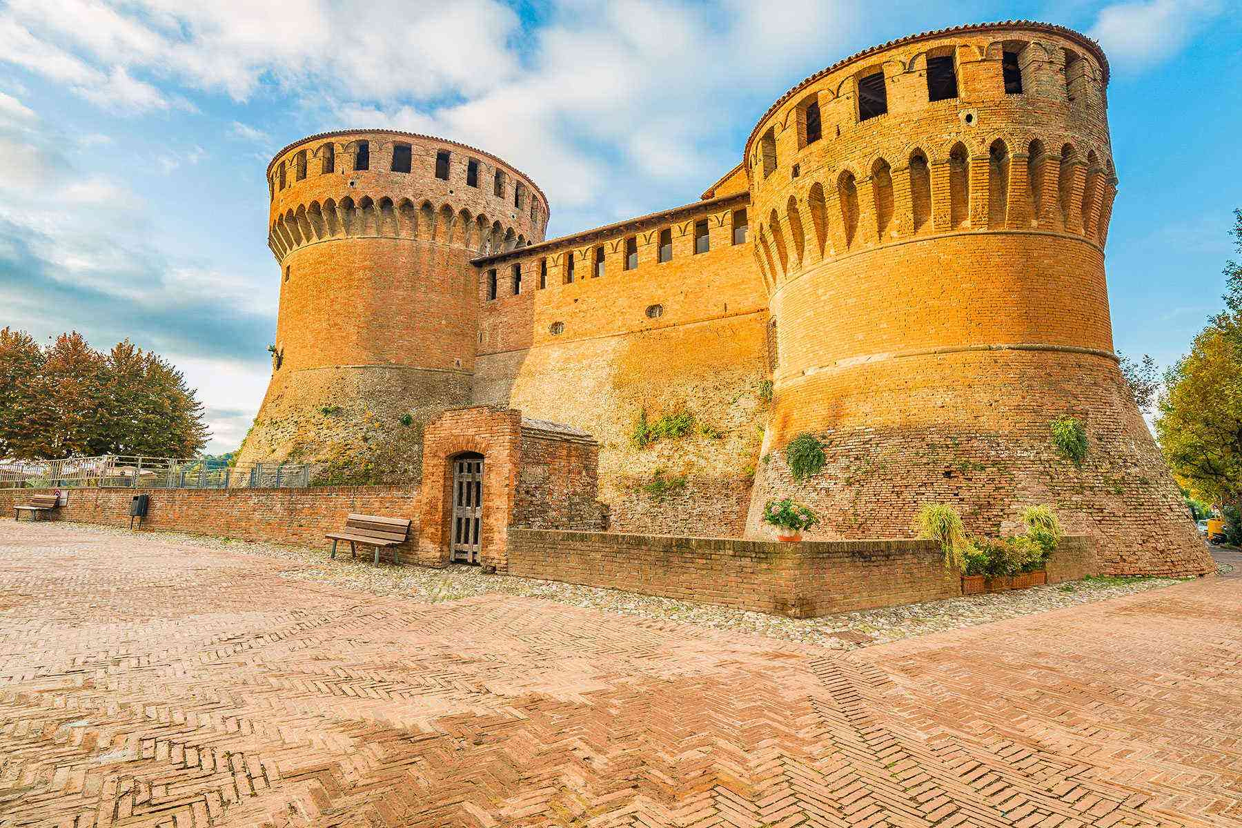Medieval-Italian-Towns-Dozza-2