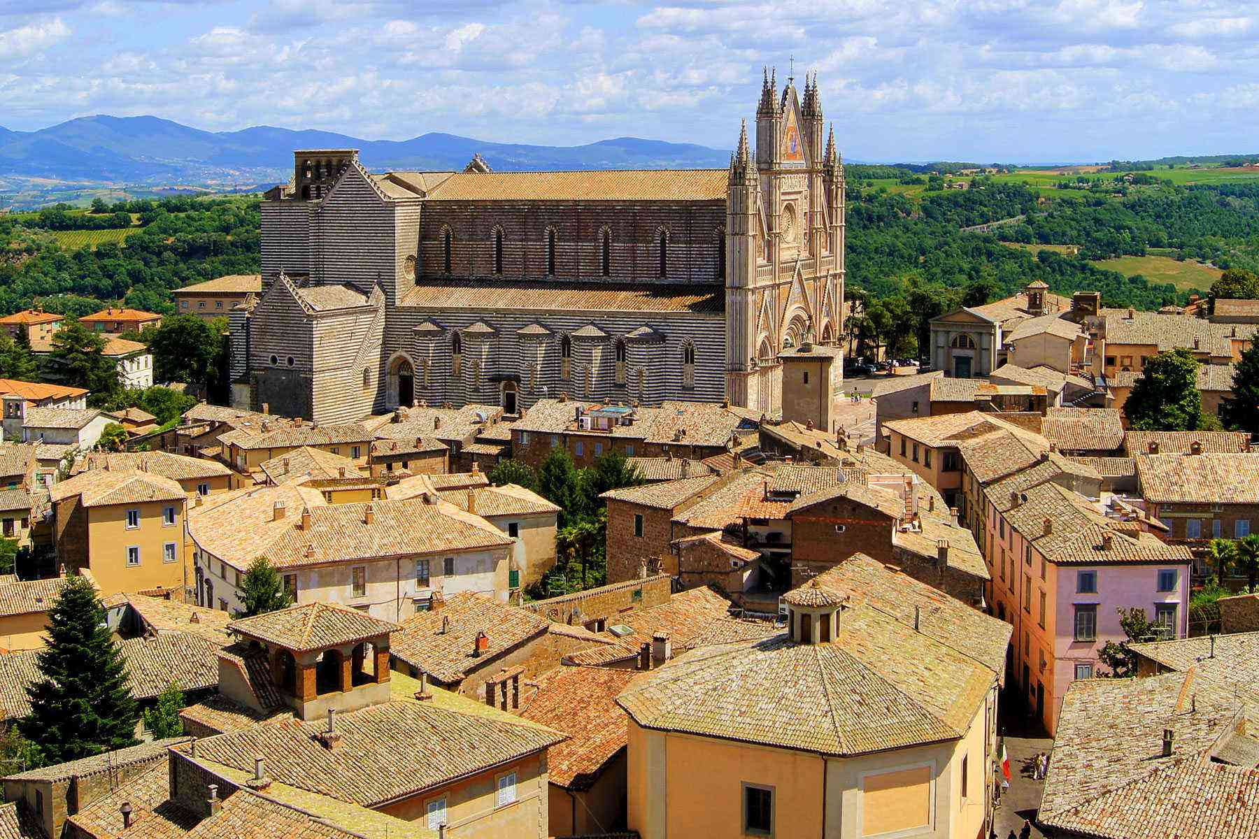Medieval-Italian-Towns-Orvieto-1