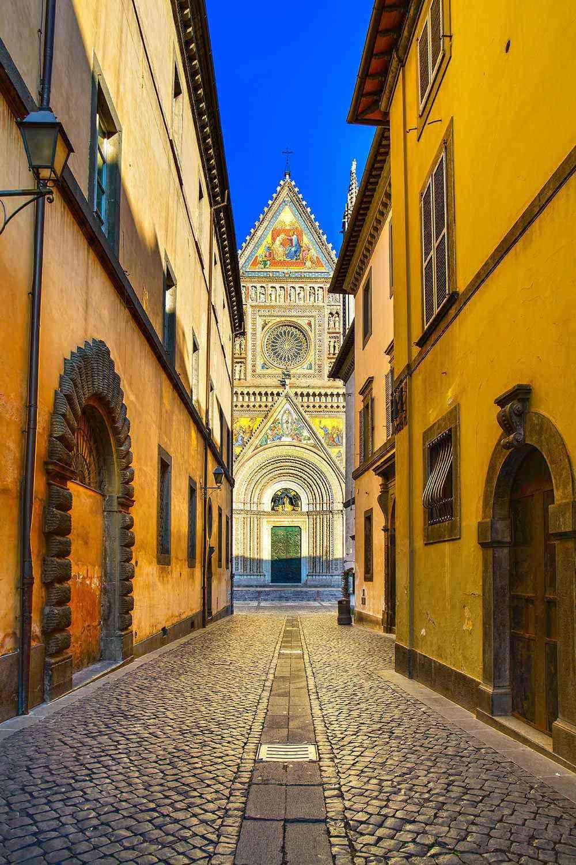 Medieval-Italian-Towns-Orvieto-2
