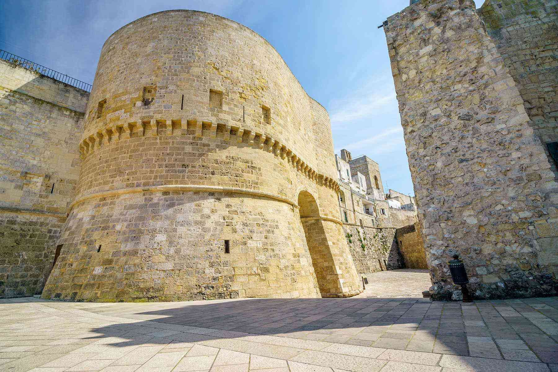 Medieval-Italian-Towns-Otranto-2