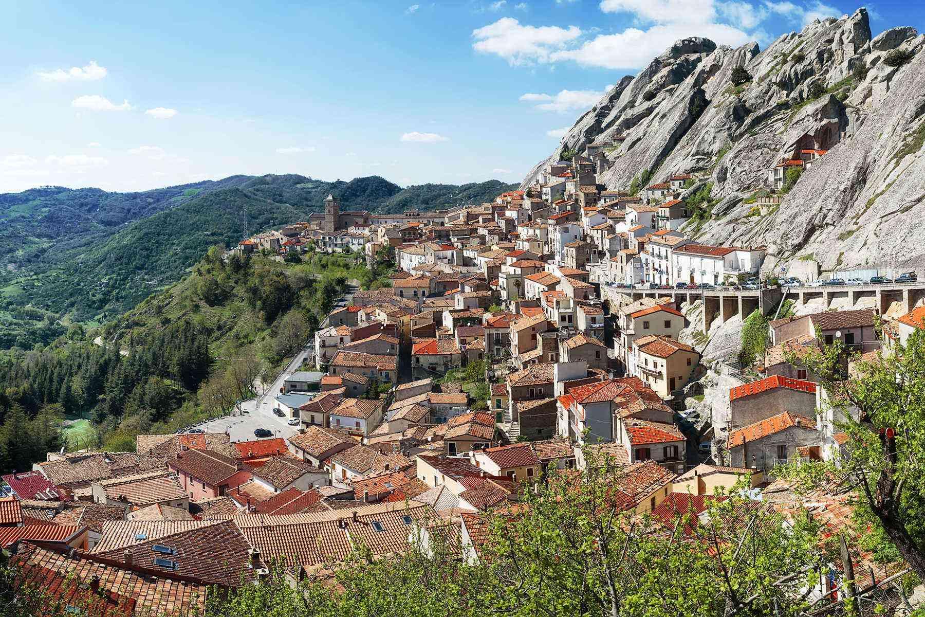 Medieval-Italian-Towns-Pietrapertosa